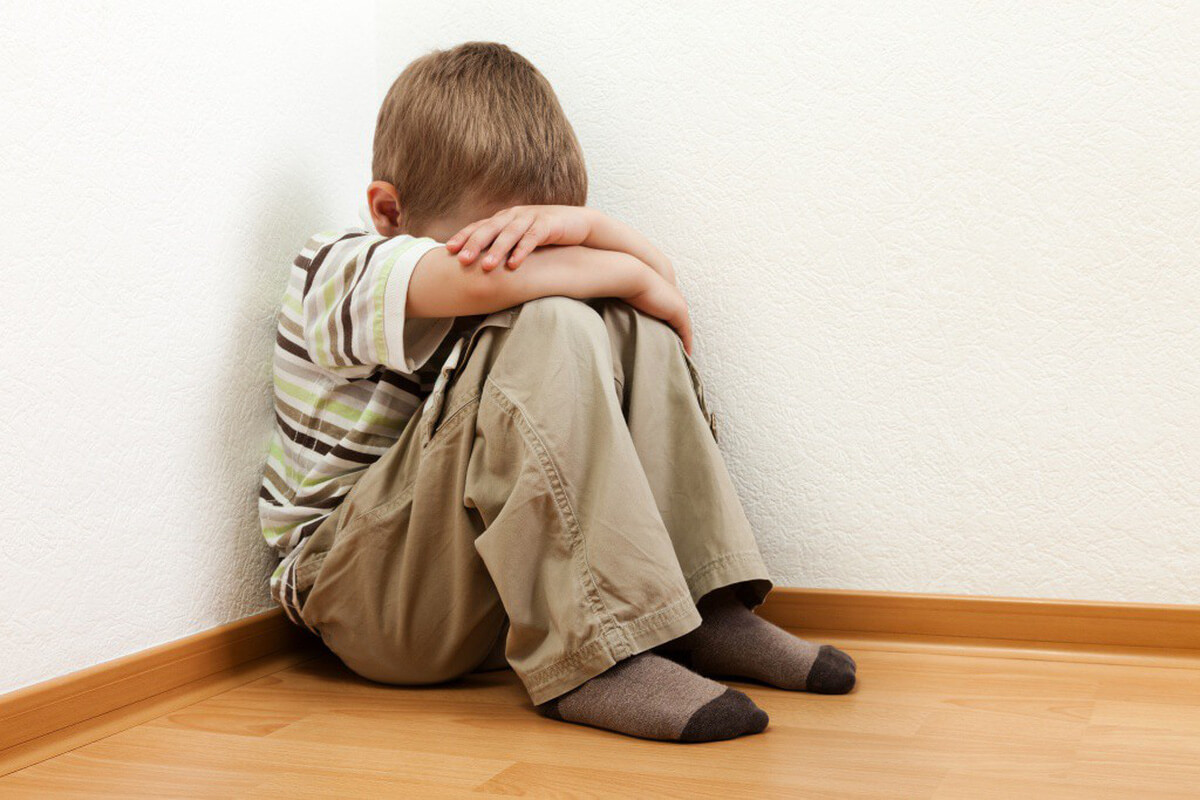 Nguyên nhân trẻ tự kỷ và các dấu hiệu cho thấy trẻ tự kỷ