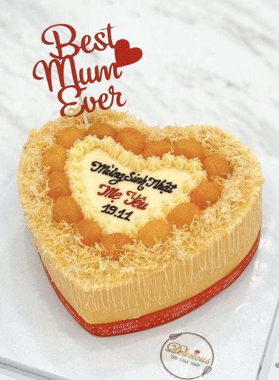 Bánh sinh nhật độc bằng bông lan trứng muối dành tặng mẹ yêu