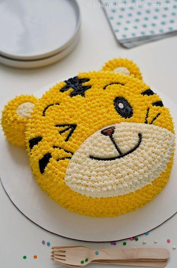 Bánh sinh nhật cho bé trai tuổi dần