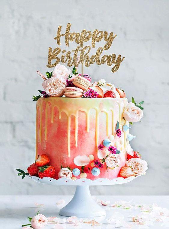Các mẫu bánh sinh nhật độc đáo dành tặng người thân