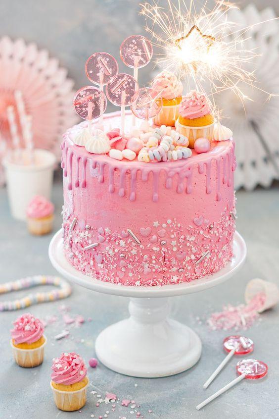 Hình ảnh bánh sinh nhật đẹp và ý nghĩa dành tặng người thân