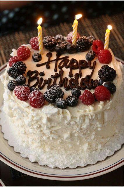 Những hình ảnh về bánh sinh nhật ý nghĩa