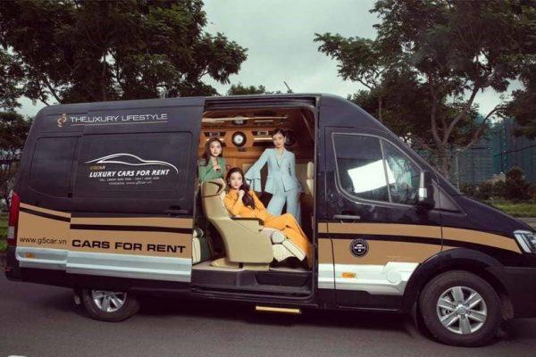 Limousine về đến Việt Nam được cải tiến thành xe Vip chở khách1