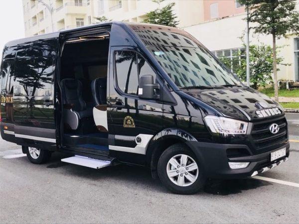 Limousine về đến Việt Nam được cải tiến thành xe Vip chở khách
