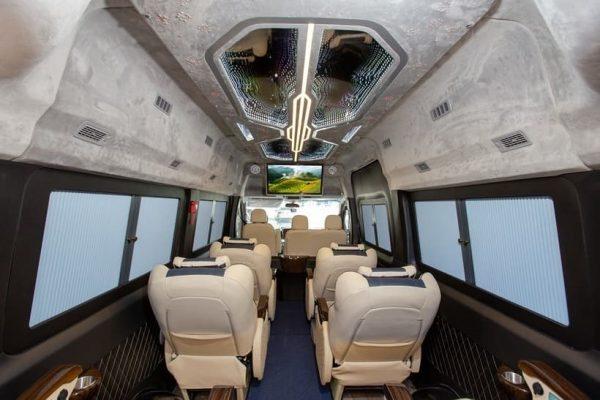 Solati Limousine 10 chỗ bản đặc biệt