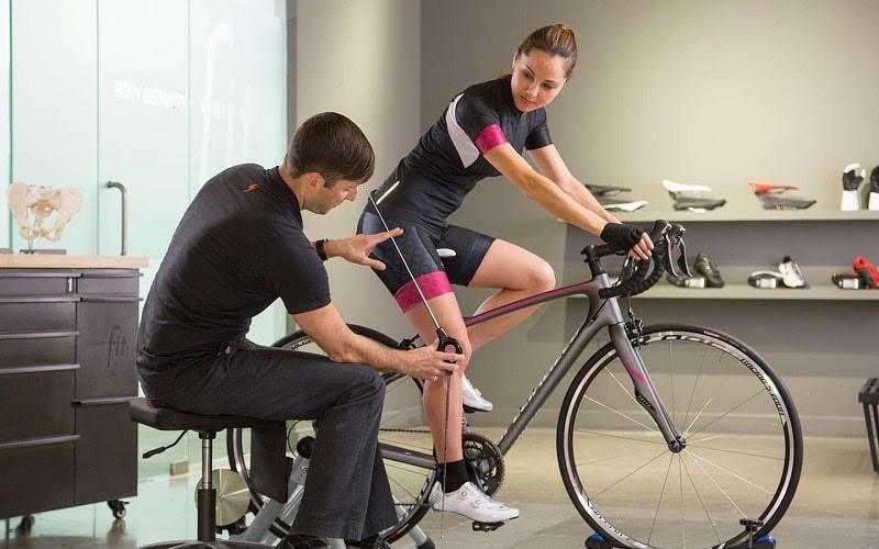 Kiểm tra xe đạp tập