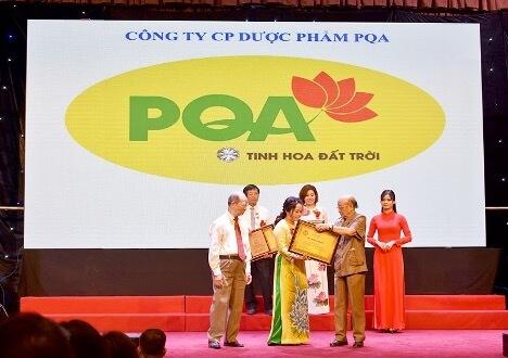 Bà Trần Mỹ Linh - Giám đốc công ty PQA - vinh dự nhận giải thưởng cống hiến 2020