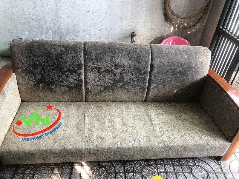 Chúng tôi giặt sofa da, vải tại nhà uy tín
