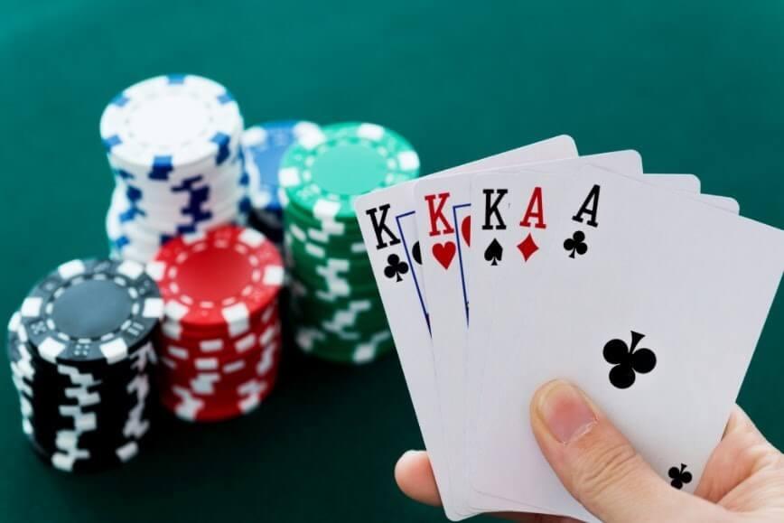 Mẹo chơi game đánh bài sâm lốc đổi thưởng dễ thắng nhất